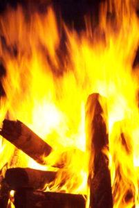 Vuur, één van de vijf elementen waar we mee werken in de acupunctuur.